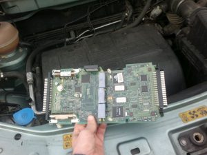 Land-rover-freelander-discovery-controller-ECU-locartion-EPROM-remap-chiptuning