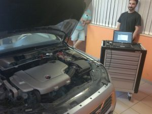 Volvo-V70-chiptuning-ECU-location-OBD