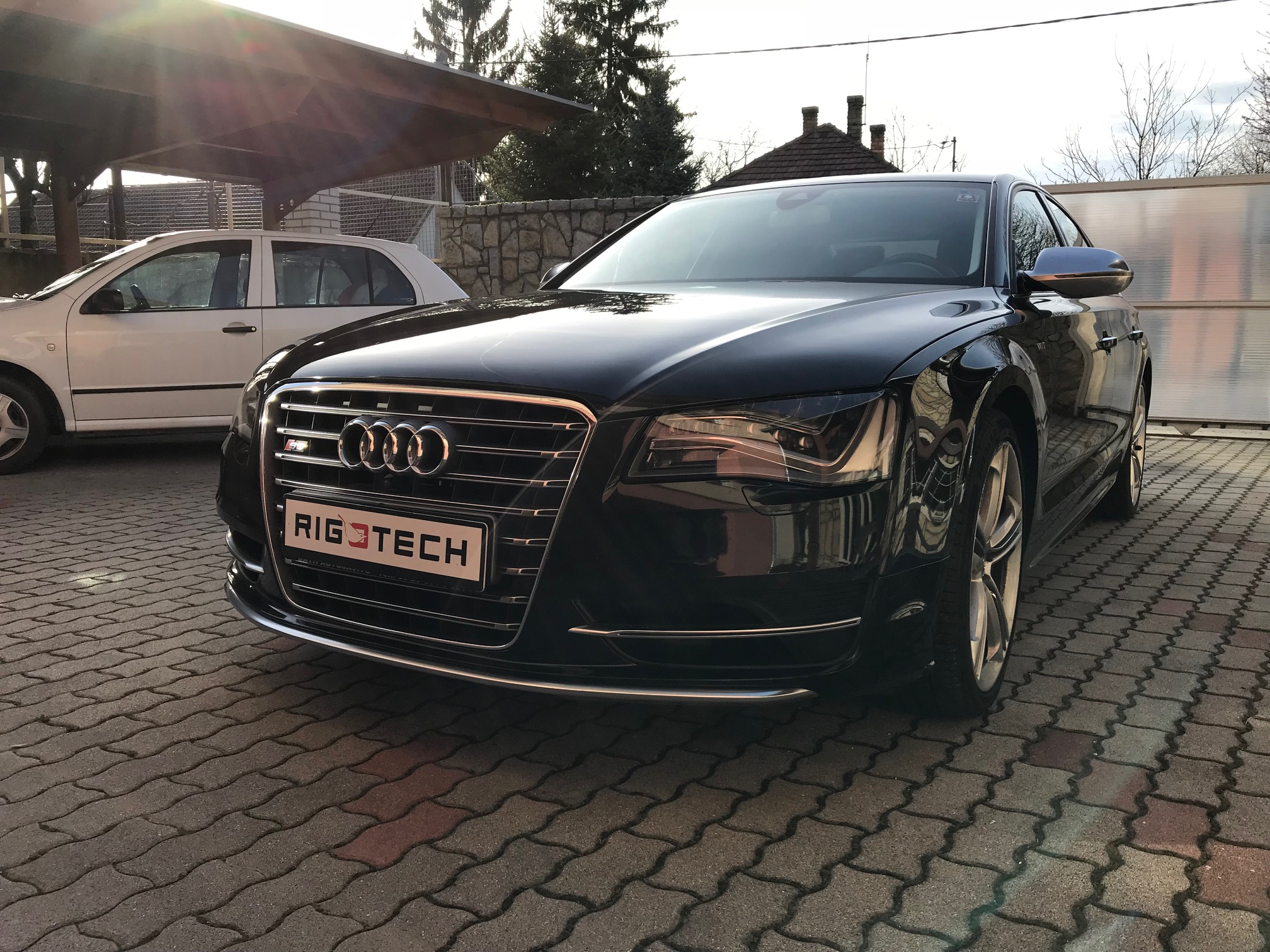 Audi-A8-S8-40Tfsi-520Le-Chiptuning