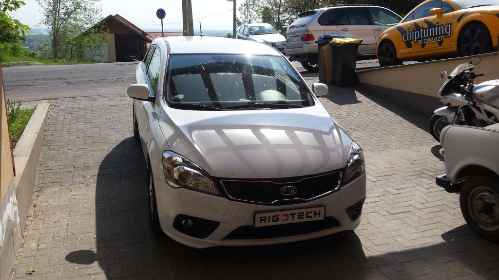 Kia-Ceed-16CRDI-115ps-2012-chiptuning