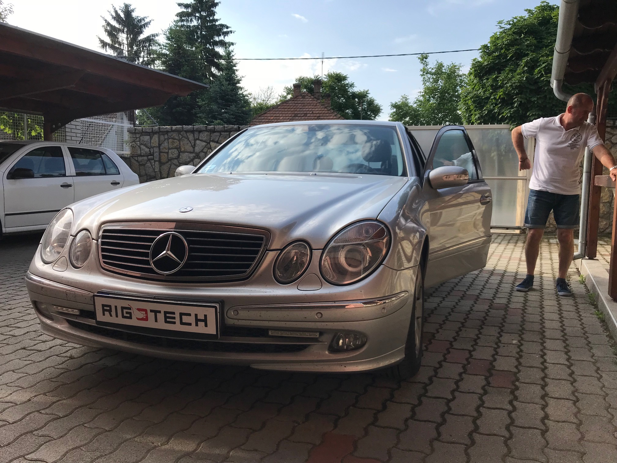 Mercedes-E200-163Le-Chiptuning