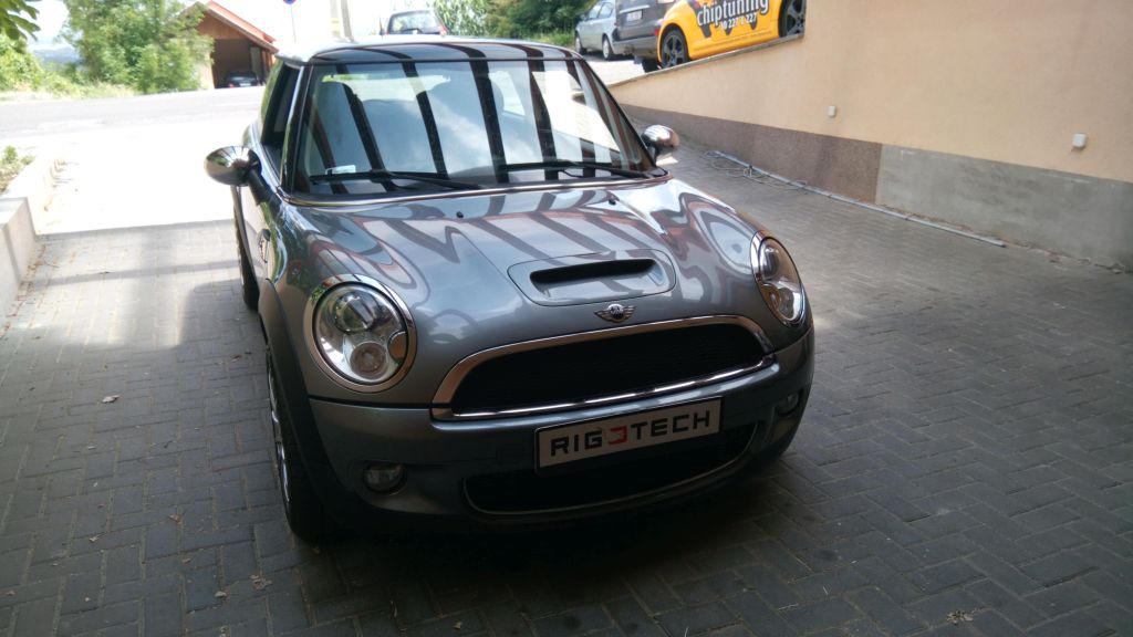 Mini-R57-cooper-s-16iTURBO-175ps-2007-Chiptuning