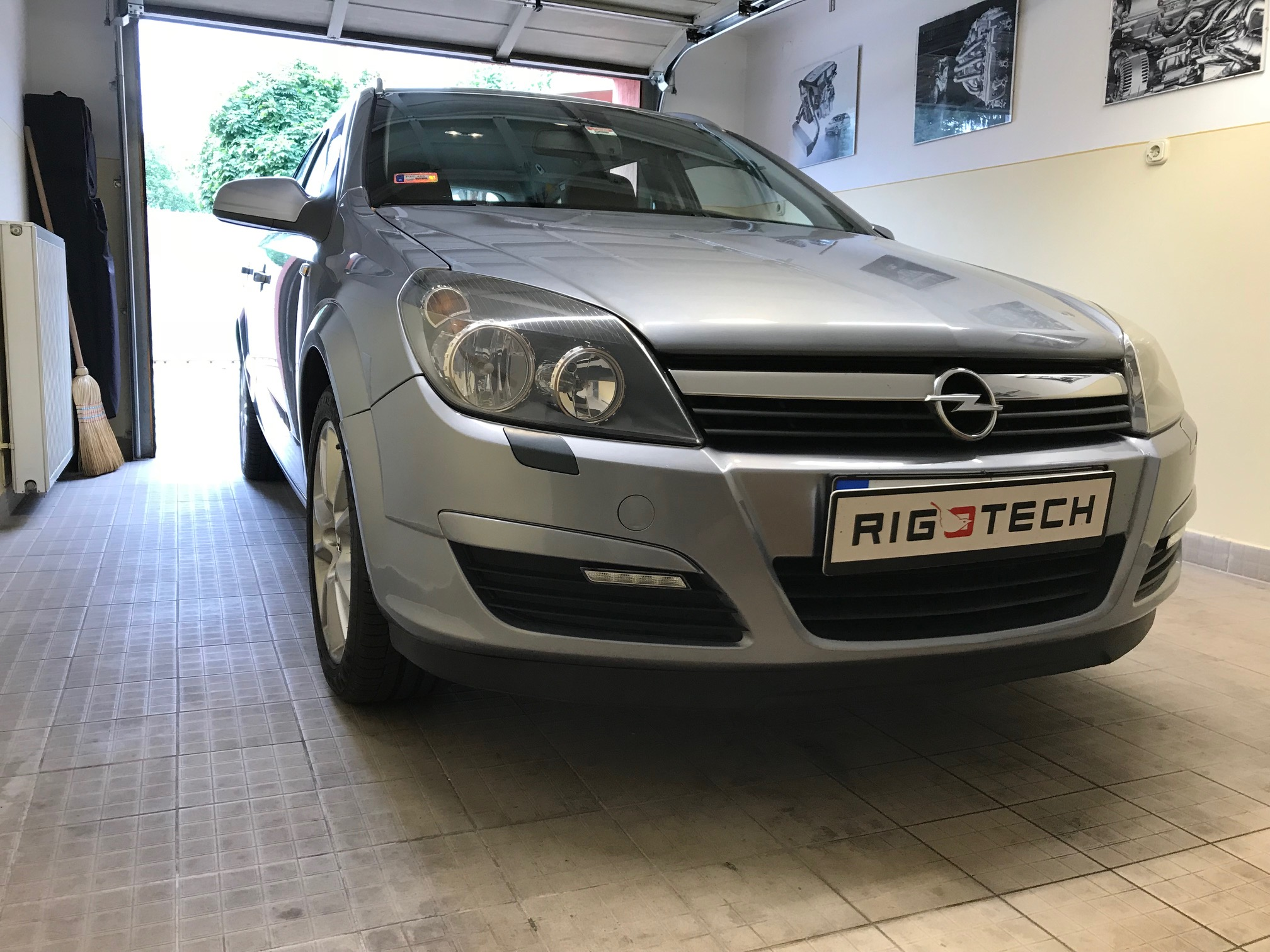 Opel-Astra-18i-125Le-Chiptuning
