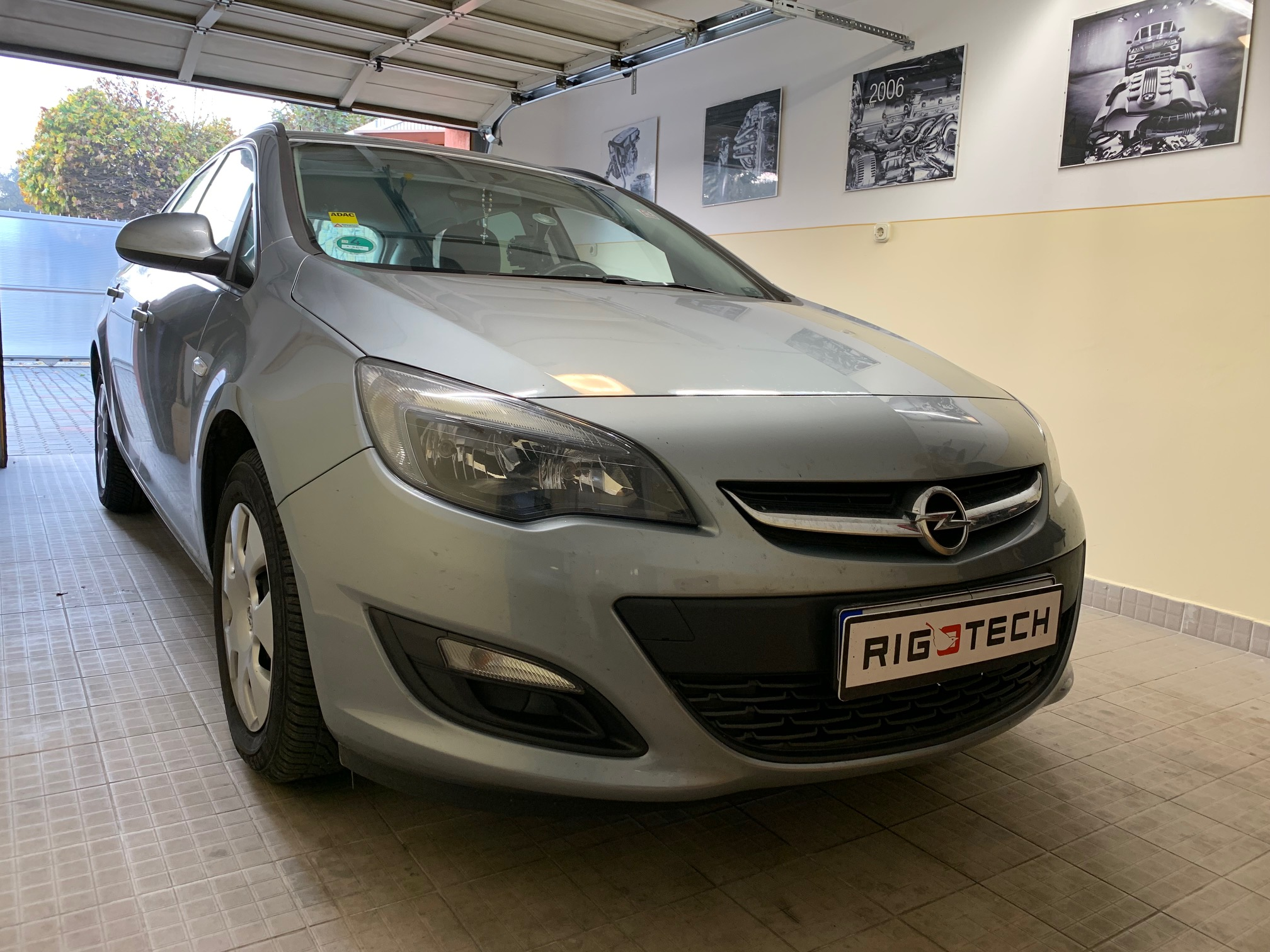 Opel-Astra-J-16i-115Le-Chiptuning