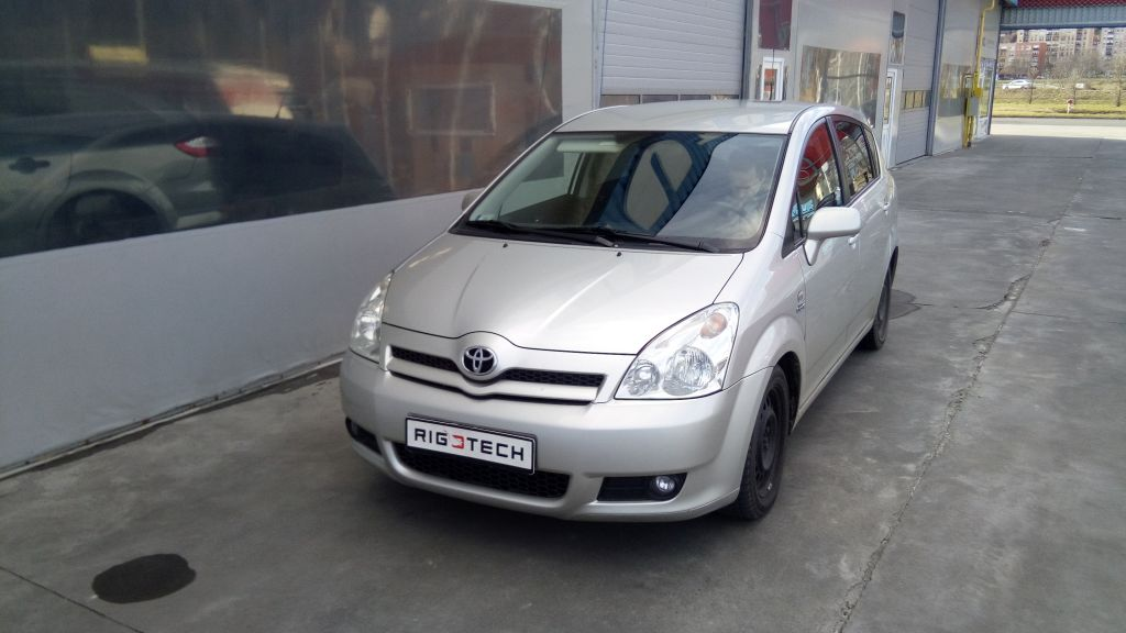 Toyota-Corolla-Verso-22DCAT-177ps-2006-chiptuning