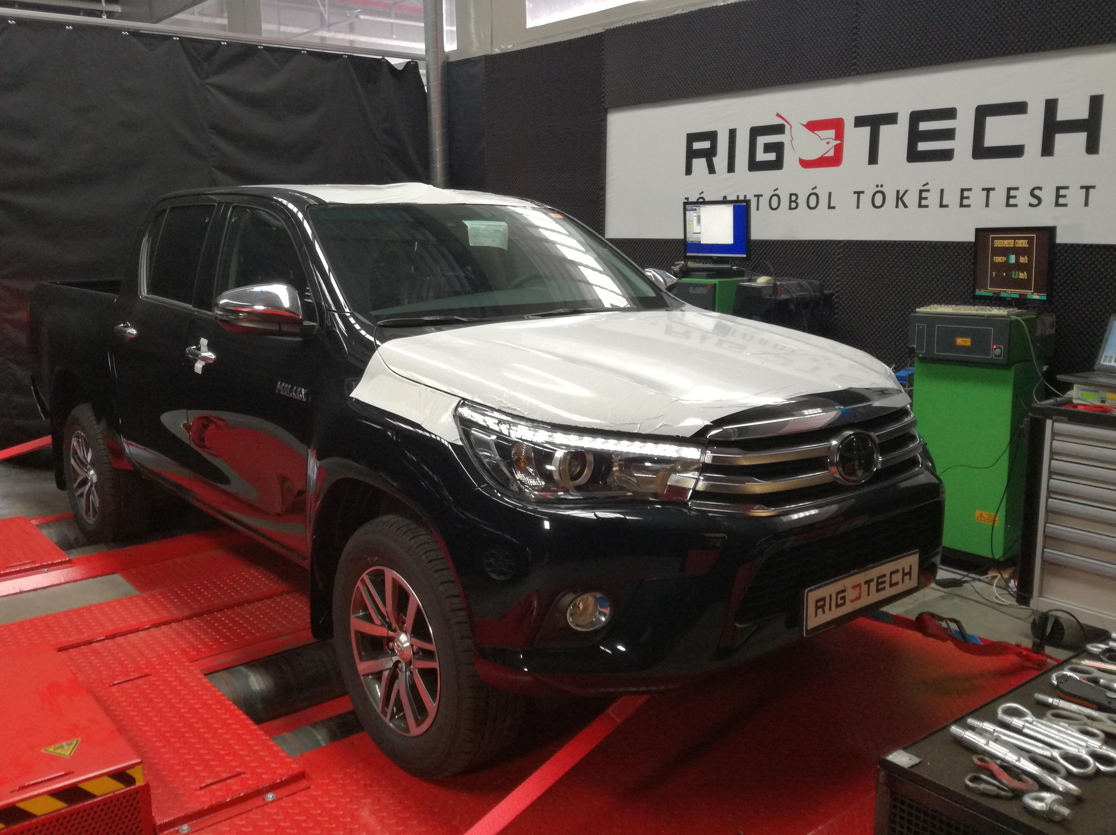 Toyota-Hilux-24d-150le-padon