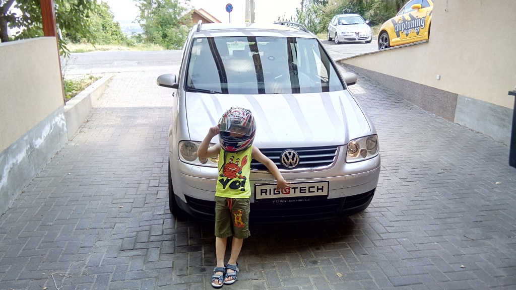 Volkswagen-Touran-19TDI-105ps-2006-chiptuning